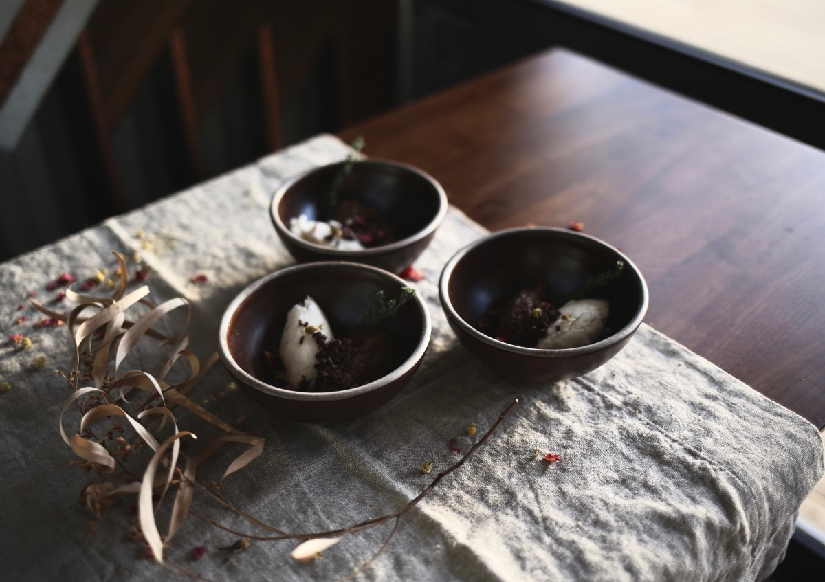 East Fork Ice Cream Bowls, Rough Linen table liner (See recipe here)