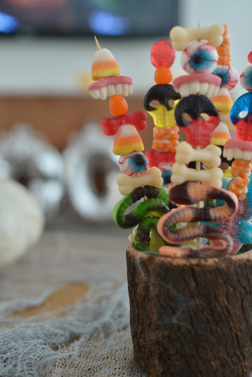 Halloween Candy Skewers11