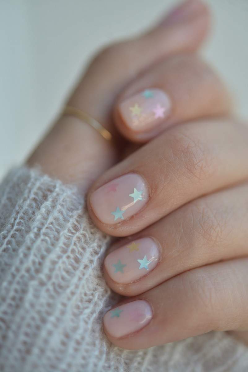 How To Do The Prettiest Yet Subtle Nail Art At Home Cupcakes Amp Cashmere