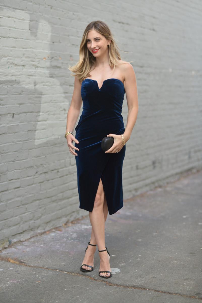 Yumi Kim Dress, Zara Sandals (similar hereand here), Alexandra DeClaris Clutch (similar here), NARS 'Light My Fire'