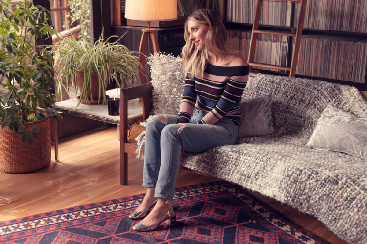 Cupcakes and Cashmere Top, Agolde Jeans, Zara Shoes
