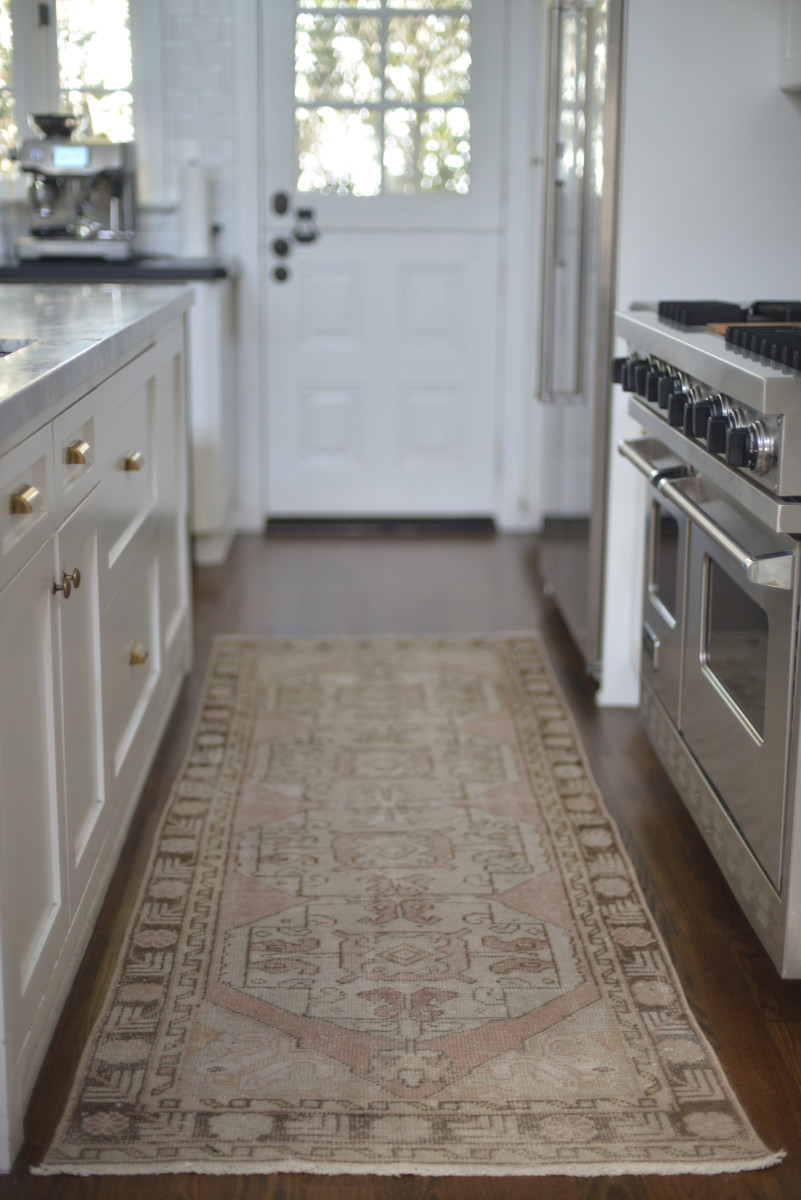 We Had A Small Kilim Rug Placed In Front Of Our Sink For The Last Few Years That Begun To Feel Bit Dated I D Seen Bajillion Kitchen Inspiration