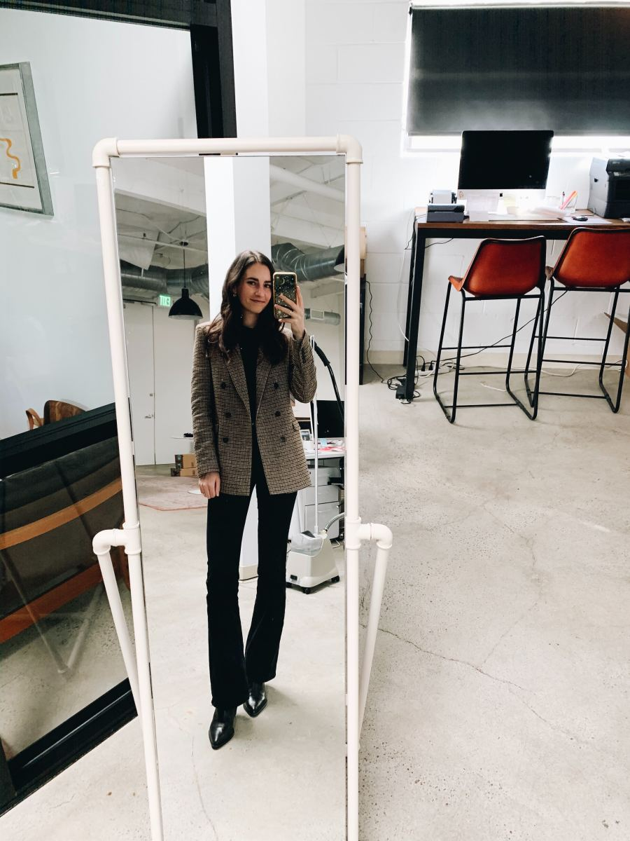 Monday (Jess): Zara Blazer, Uniqlo Turtleneck, Zara Jeans, Zara Boots (similar here)
