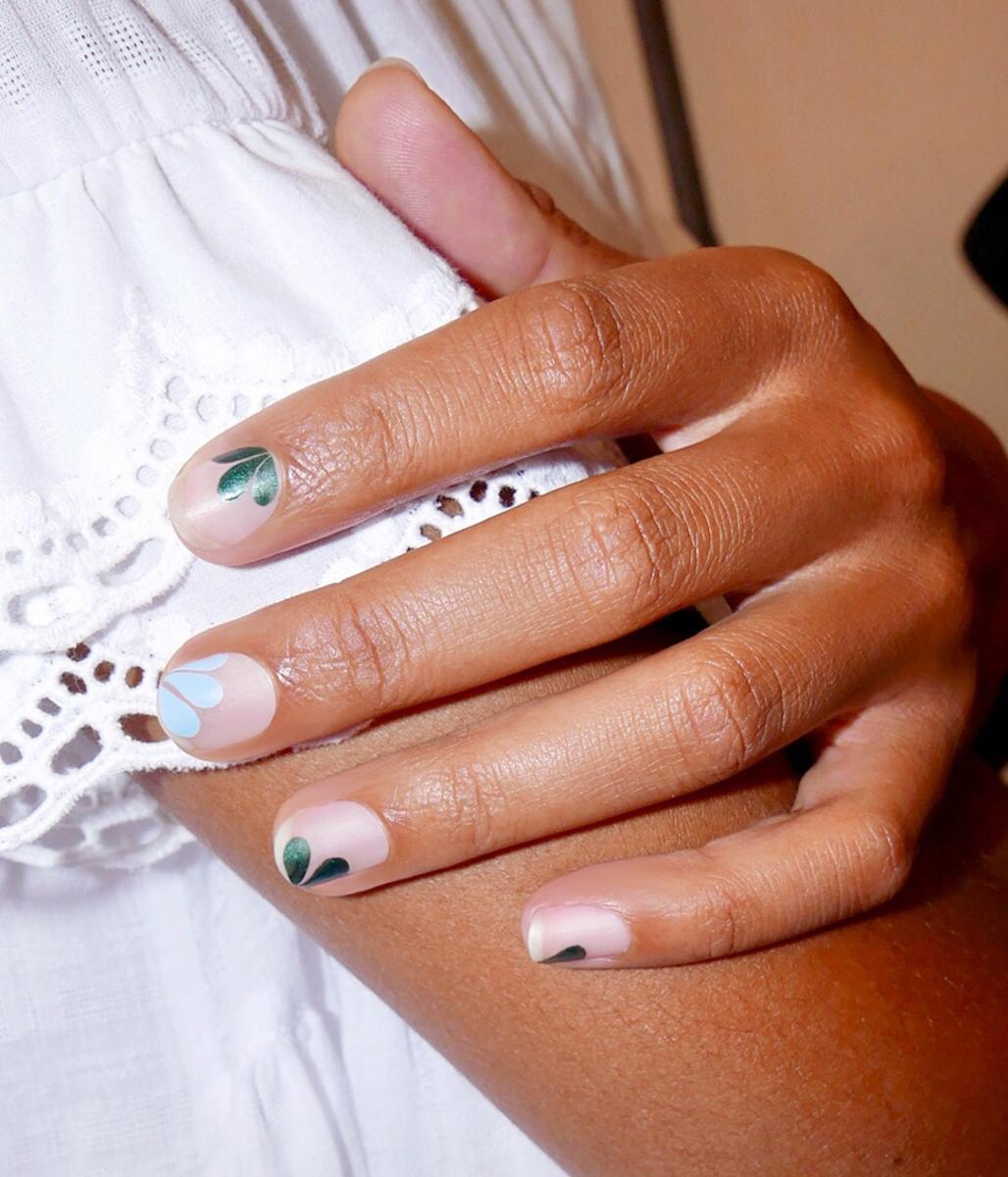 Creatures of Comfort - Petal nails