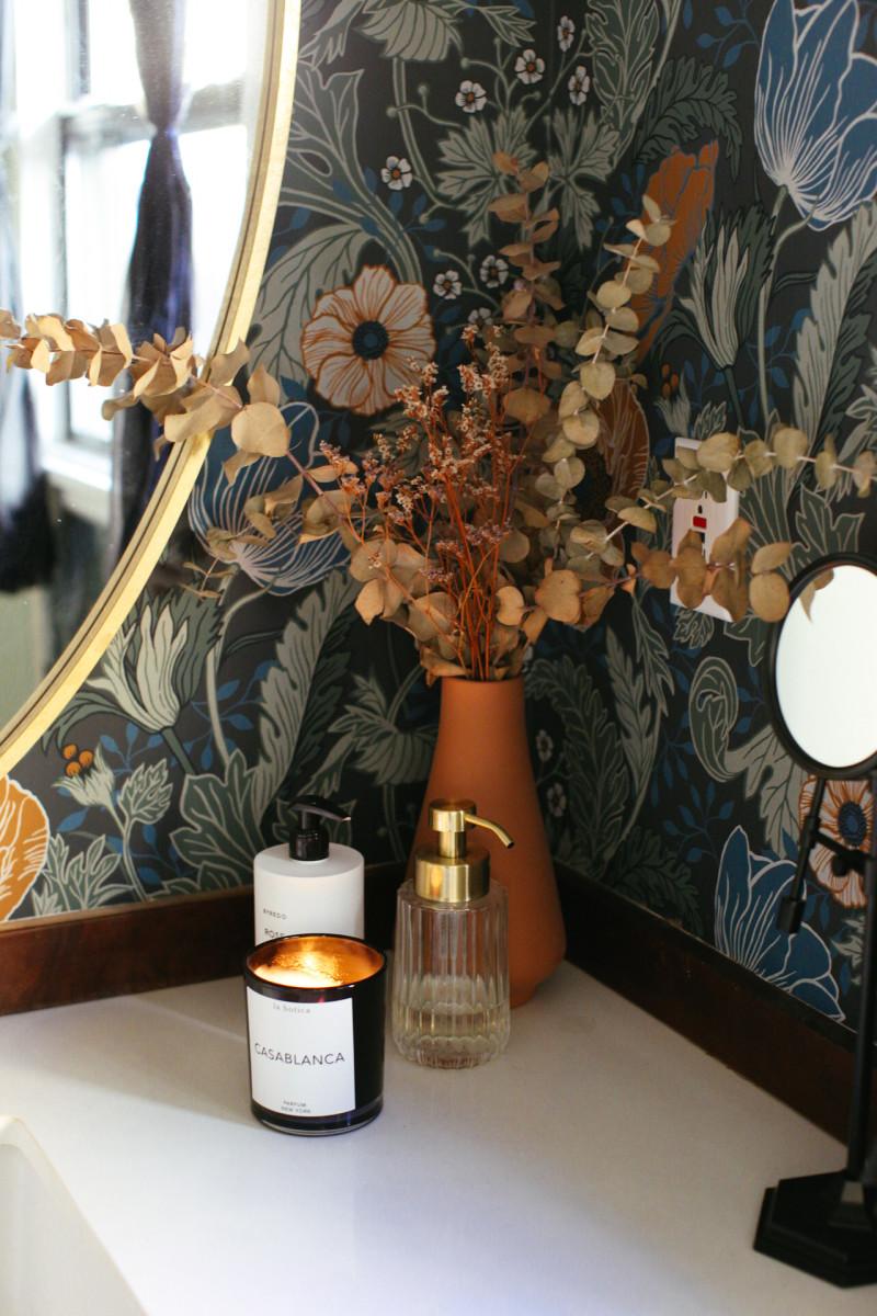 Target vase (similar here), La Botica candle, Zara Home soap dispenser (similar here)