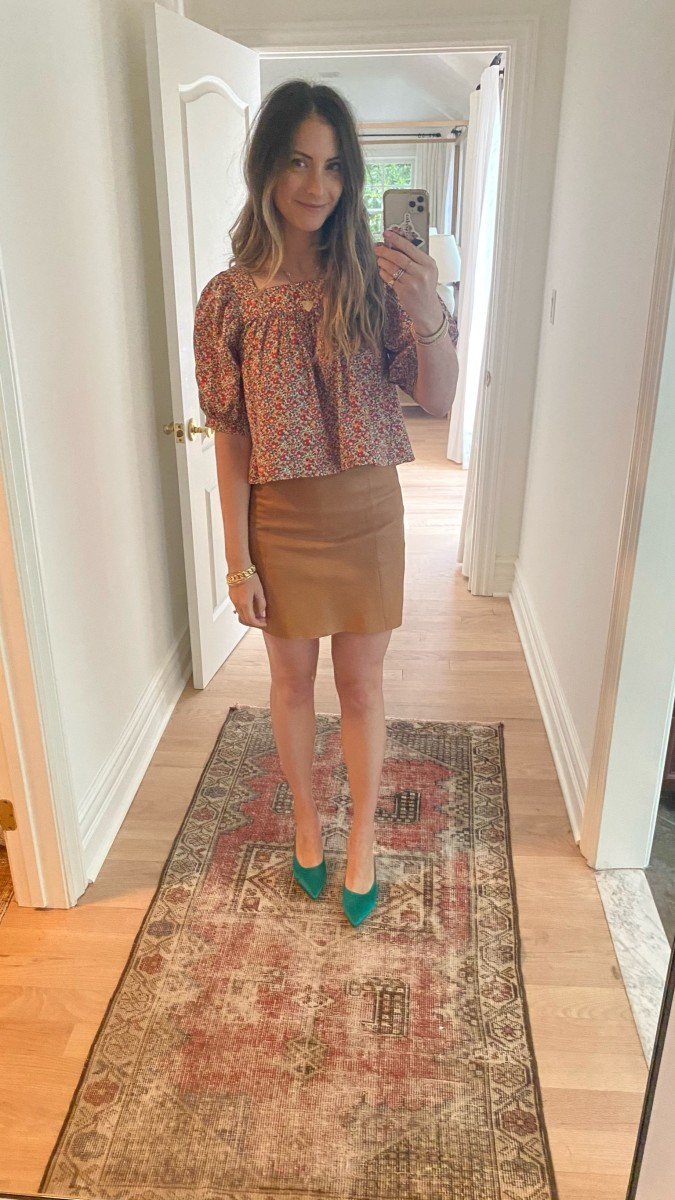 Doen Top (more from their collection here), Cupcakes and Cashmere Skirt (in updated shades here), Gianvito Rossi Pumps (Dressed by Sloan!)