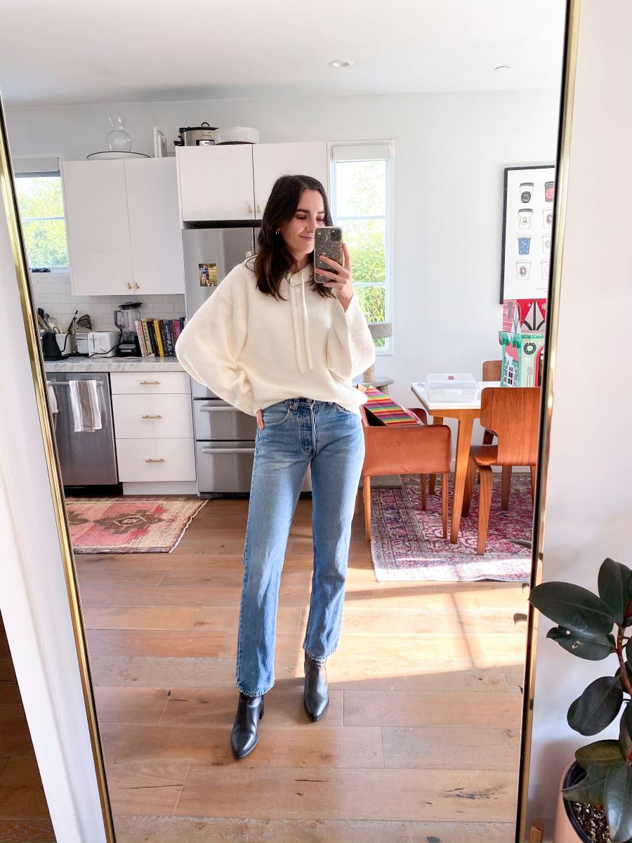 Monday: & Other Stories Sweatshirt, Vintage Levi's (similar here), Zara Booties (similar here)