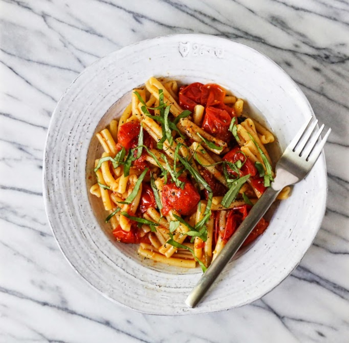 Tomato-Confit-Pasta-three-ingredient-summer-pasta-cupofjo