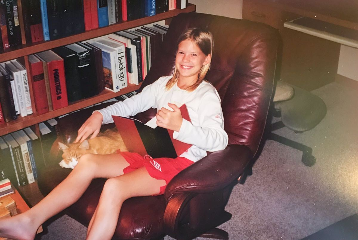 Party like it's 1999 feat. Sandy the sweetest cat in the world and Harry Potter and The Goblet of Fire!