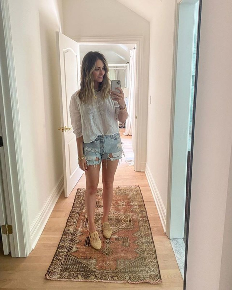 Tuesday (Emily, Founder): Doen Top (similar here), Levi's Shorts (similar here), Clergerie Shoes (similar here)