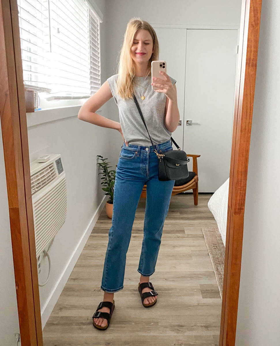 Levi's Wedgie Fit Straight jeans, Birkenstock Sandals, FRAME Tee, Coach Cassie Crossbody 19, Helen Heart Necklace