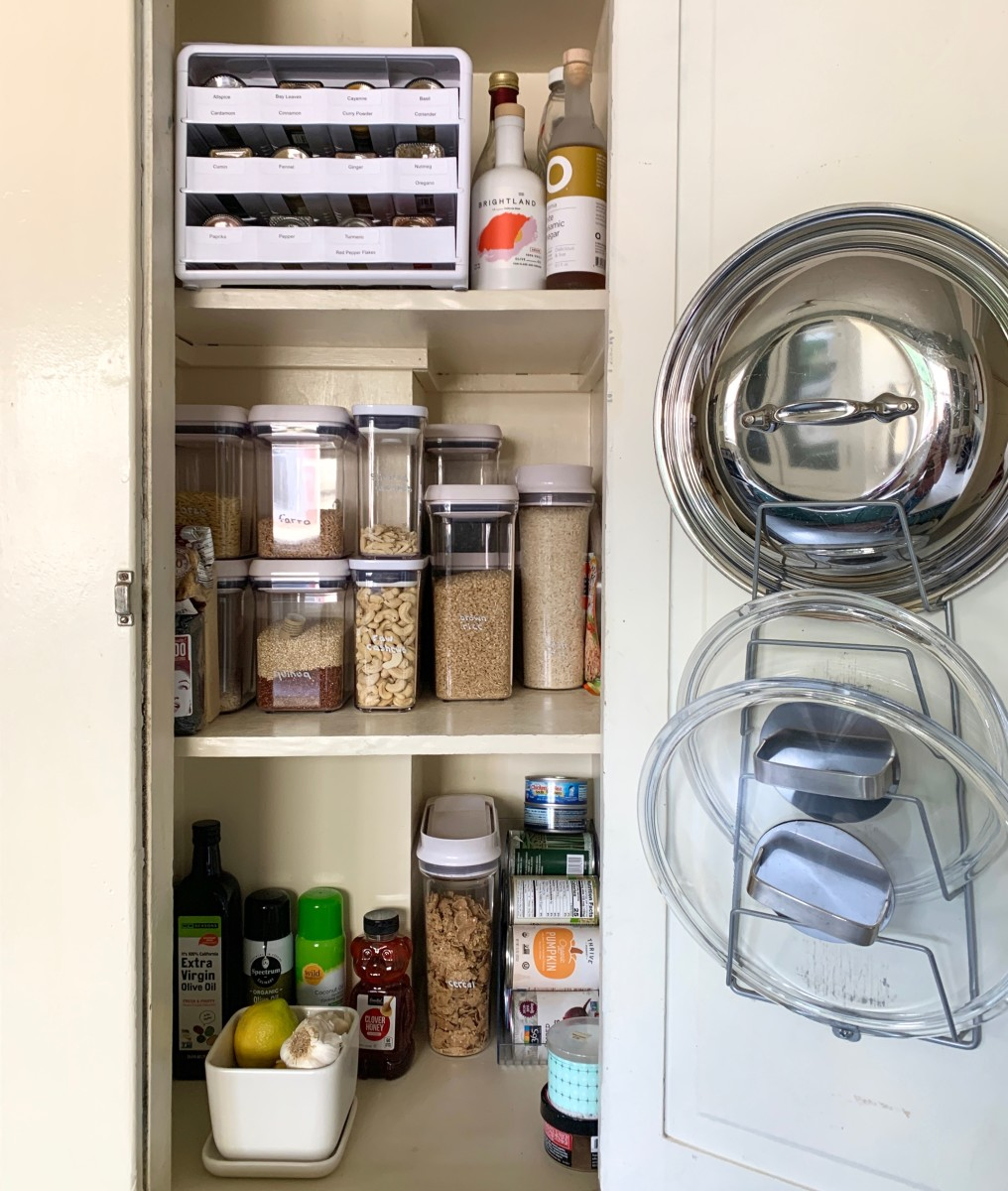Youcopia 24-Bottle Spice Rack,Marie Condo Ceramic Berry Colander, OXO Short Rectangle POP Containers,OXO Cereal Containers, Plastic Soda Can Container