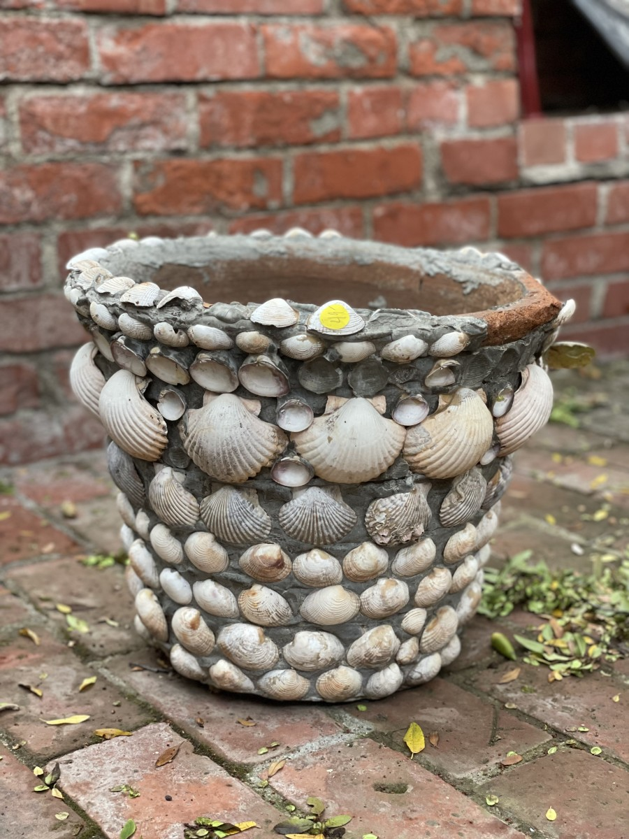 For as much as I love shells, I ended up passing on this outdoor planter